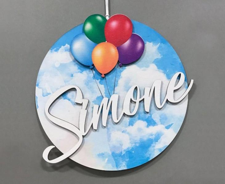 Nome in legno personalizzato da appendere con decorazione palloncini. CM 28x28